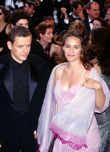 Dany Boon et Judith Godreche assistent au 52e Festival du film de Cannes. |Photo : Getty Images