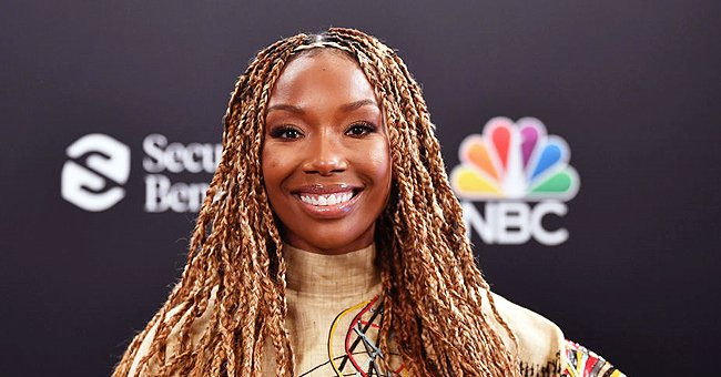 Brandy Calls Daughter Sy'rai Her Twin & Makes Funny Faces While Showing Their Matching Braids