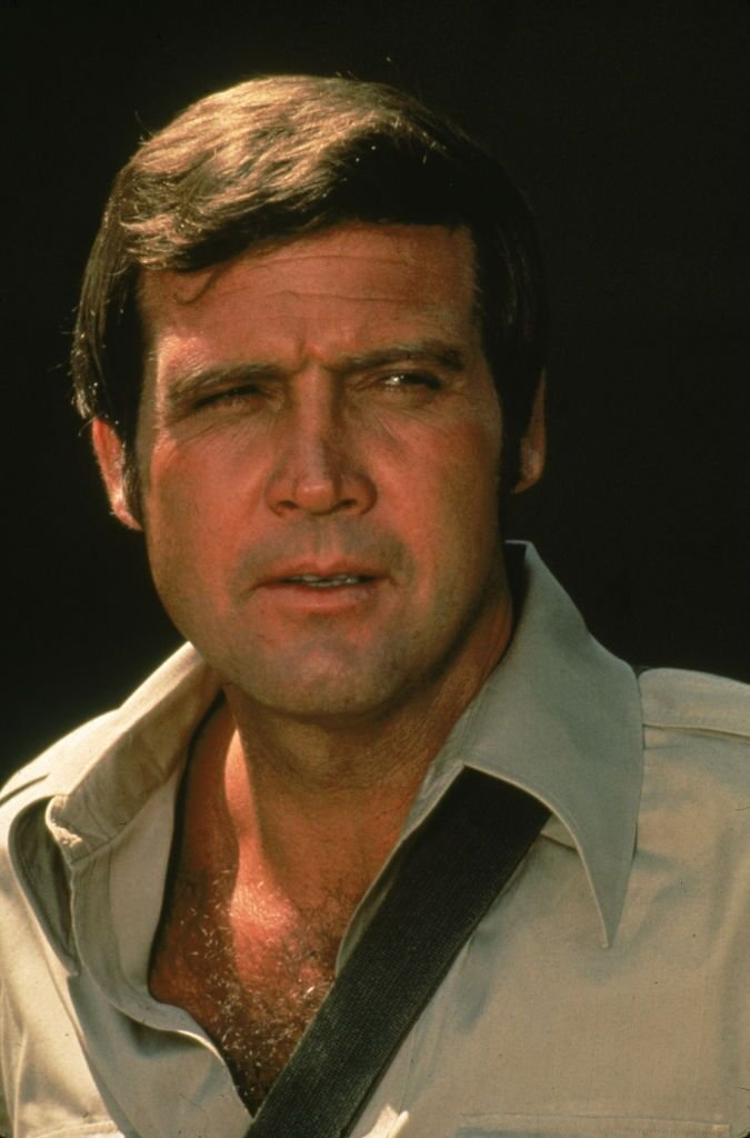 Lee Majors in the television series, 'The Six Million Dollar Man,' circa 1976| Source: Getty Images