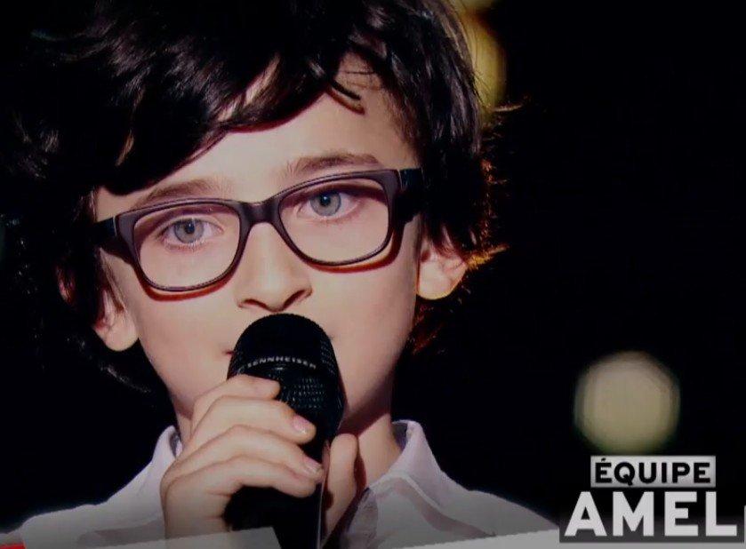 Gaspard qui a rejoint l'équipe d'Amel Bent. l Source : TF1 Replay