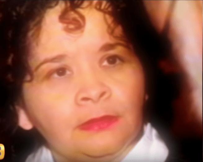 Close-up de Yolanda Saldivar, asesina de Selena Quintanilla. | Fuente: YouTube / Ventaneando