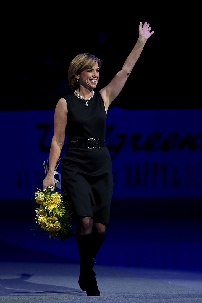 Dorothy Hamill is introduced during the Smucker's Skating Spectacular following the Prudential U.S. Figure Skating Championships at TD Garden on January 12, 2014 | Photo: Getty Images