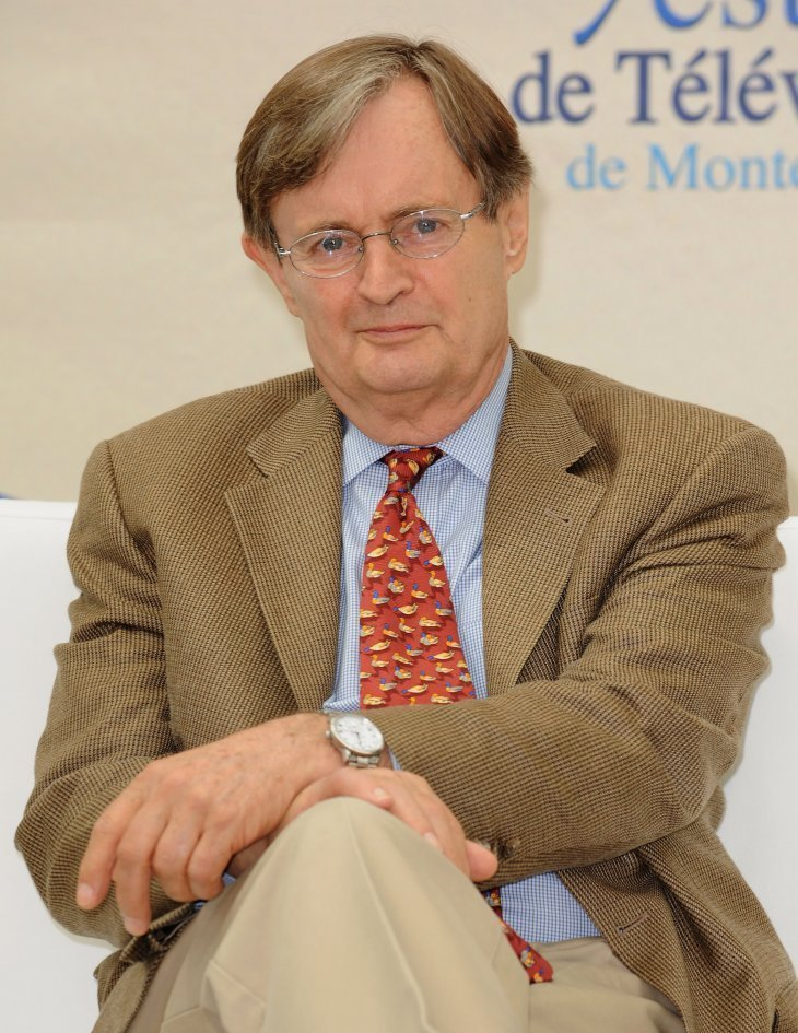 """David McCallum attends a photocall for the American T.V series """"Navy NCIS: Naval Criminal Investigative Service"""" during the 2009 Monte Carlo Television Festival.   Photo : Getty Image"""