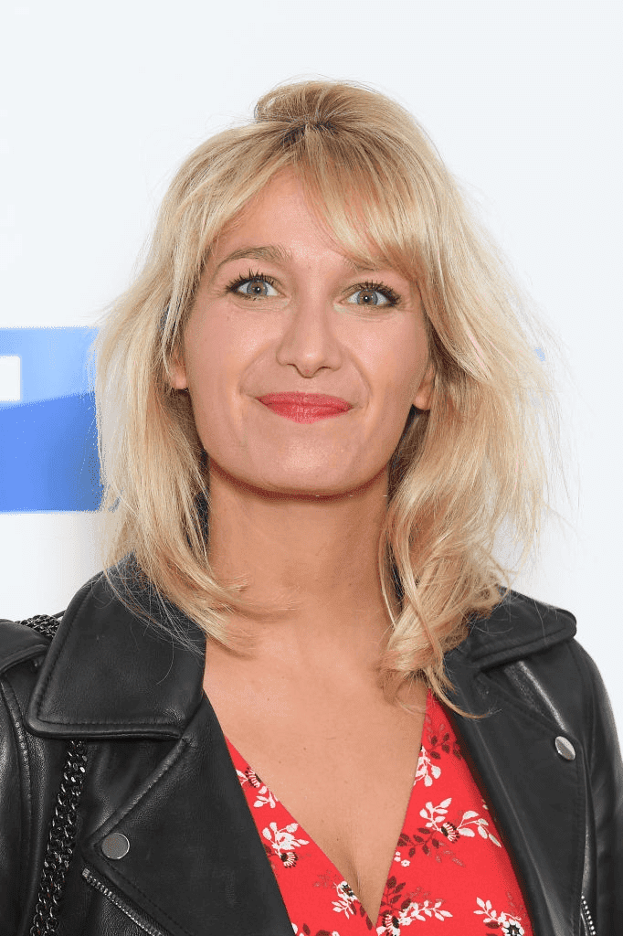L'actrice Caroline Anglade assiste au Groupe TF1 | Source : Getty Images