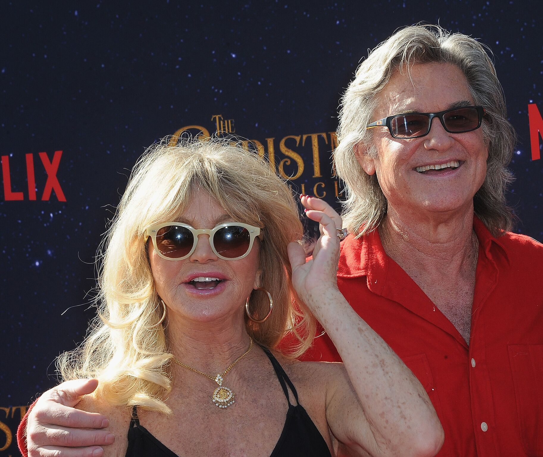 "Goldie Hawn and actor Kurt Russell arrive for the Premiere Of Netflix's ""The Christmas Chronicles"" 