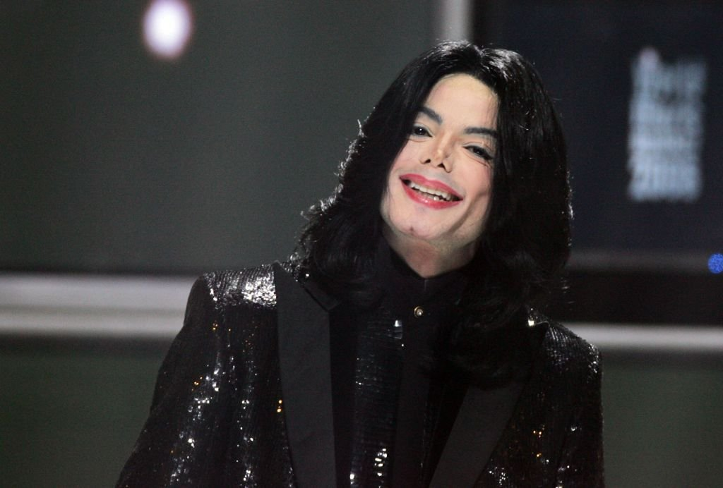 Michael Jackson on stage during the 2006 World Music Awards at Earls Court on November 15, 2006 in London. | Source: Getty Images