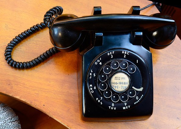 A rotary phone | Photo: Getty images