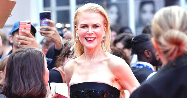 Actress Nicole Kidman Cuddles Cute Puppy at TIFF's Premiere of 'the Goldfinch'