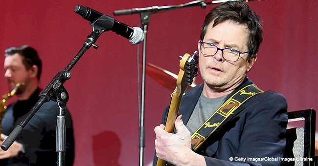 Michael J Fox rocks a brilliant guitar performance 20 years after revealing his diagnosis
