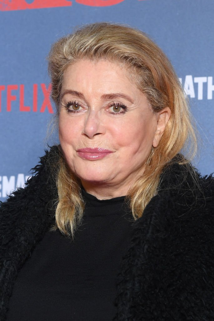 "Catherine Deneuve assiste à la première de ""The Irishman"" à la Cinémathèque le 17 octobre 2019 à Paris, France. 