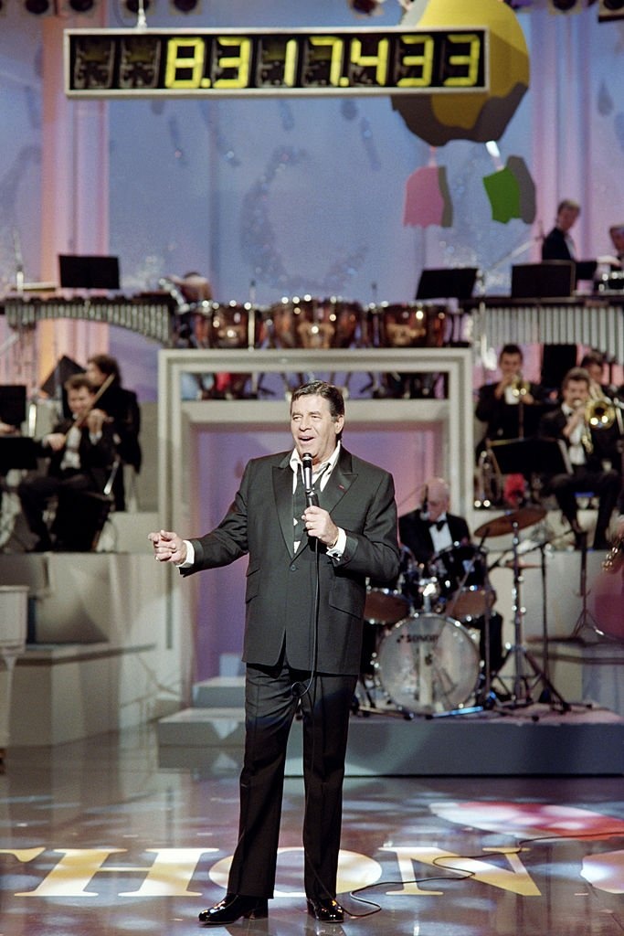 US humorist, comedian, director and singer Jerry Lewis attends the Telethon, France's biggest annual fund-raising event of live television transmission, on December 6, 1991 at La Maison de la Radio, in Paris.   Source: Getty Images