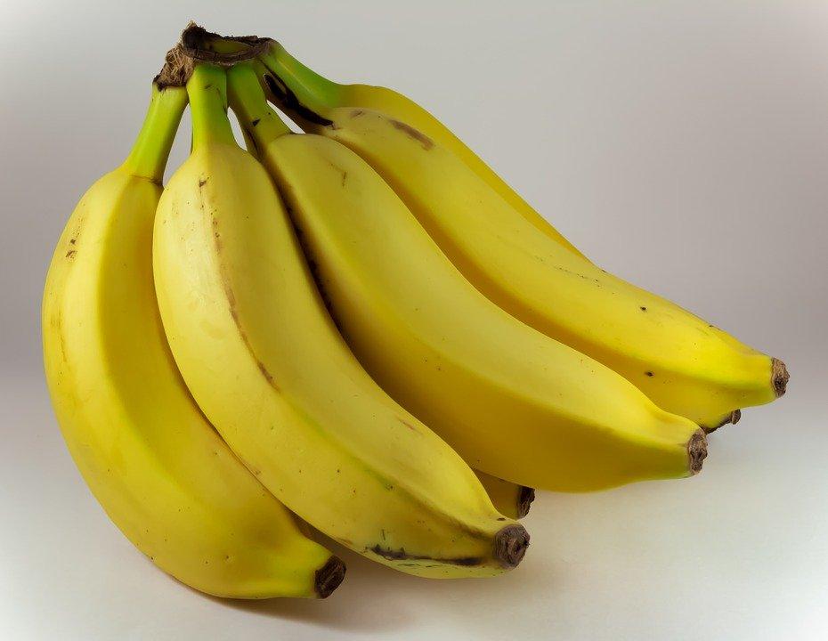 Una alimentación que incluya bananas pueda ayudar a elevar el magnesio/Imagen tomada de Max Pixel