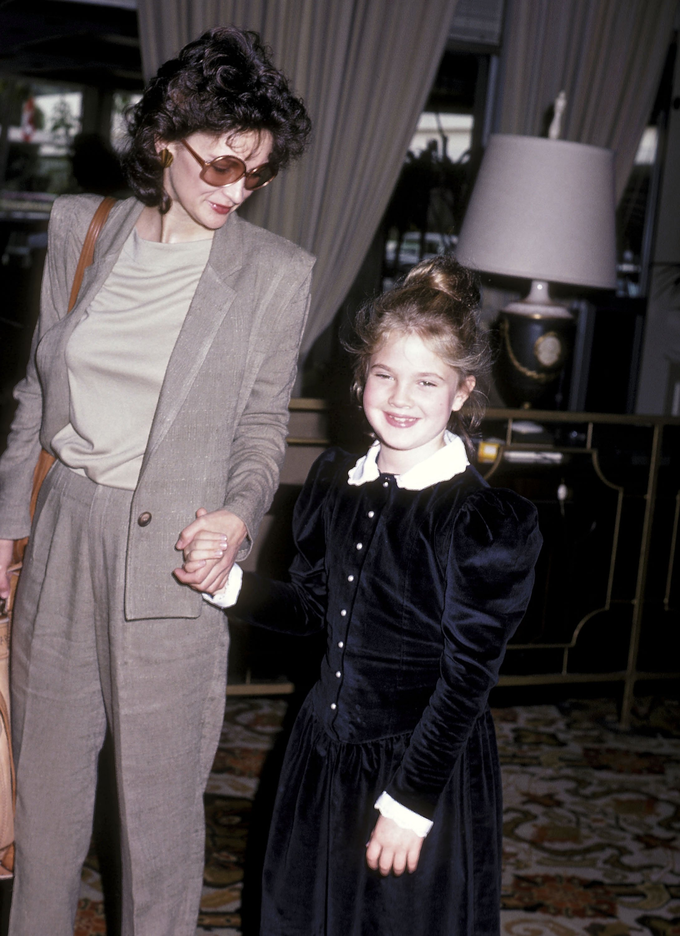 Drew Barrymore and mother Jaid Barrymore attend the Young Musicians Foundation's Second Annual Celebrity Mother/Daughter Fashion Show on March 10, 1983 | Photo: GettyImages