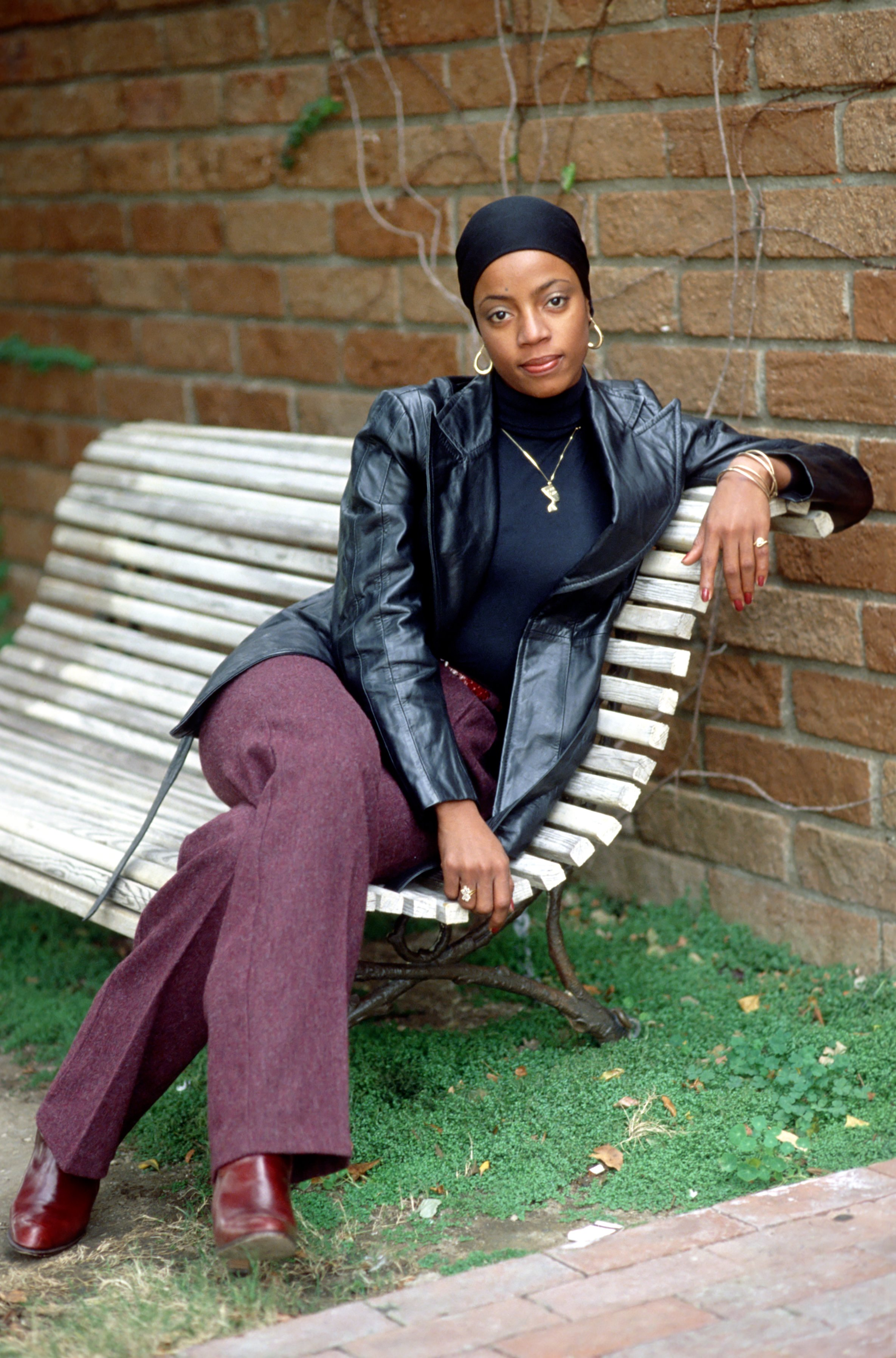 'Good Times' star BernNadette Stanis poses for a portrait in February 1975 in Los Angeles, California. | Source: Getty Images