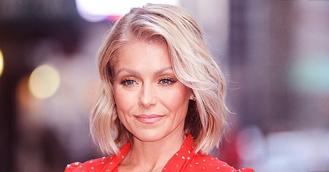 Kelly Ripa Shares Throwback Family Photo with Her Parents and In-Laws