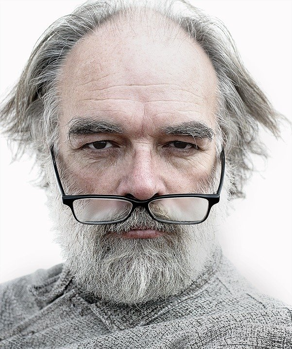 An old man with a glasses below his nose.   Photo: pixabay.com