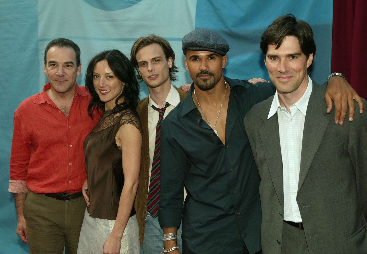 Cast of Criminal Minds Mandy Patinkin, Lola Glaudini, Matthew Gubler, Shemar Moore and Thomas Gibson attend the CBS upfront at Tavern on the Green on May 18, 2005. | Photo: Getty Images