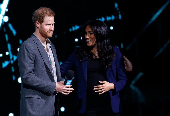 Meghan Markle et le Prince Harry prennent la parole sur scène lors de WE Day UK 2019 au SSE Arena le 06 mars 2019 à Londres, Angleterre. | Photo: Getty Images