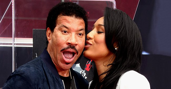 Lionel Richie Has Gorgeous Girlfriend Who Is Much Younger Than Him & They've Been Dating since at Least 2014