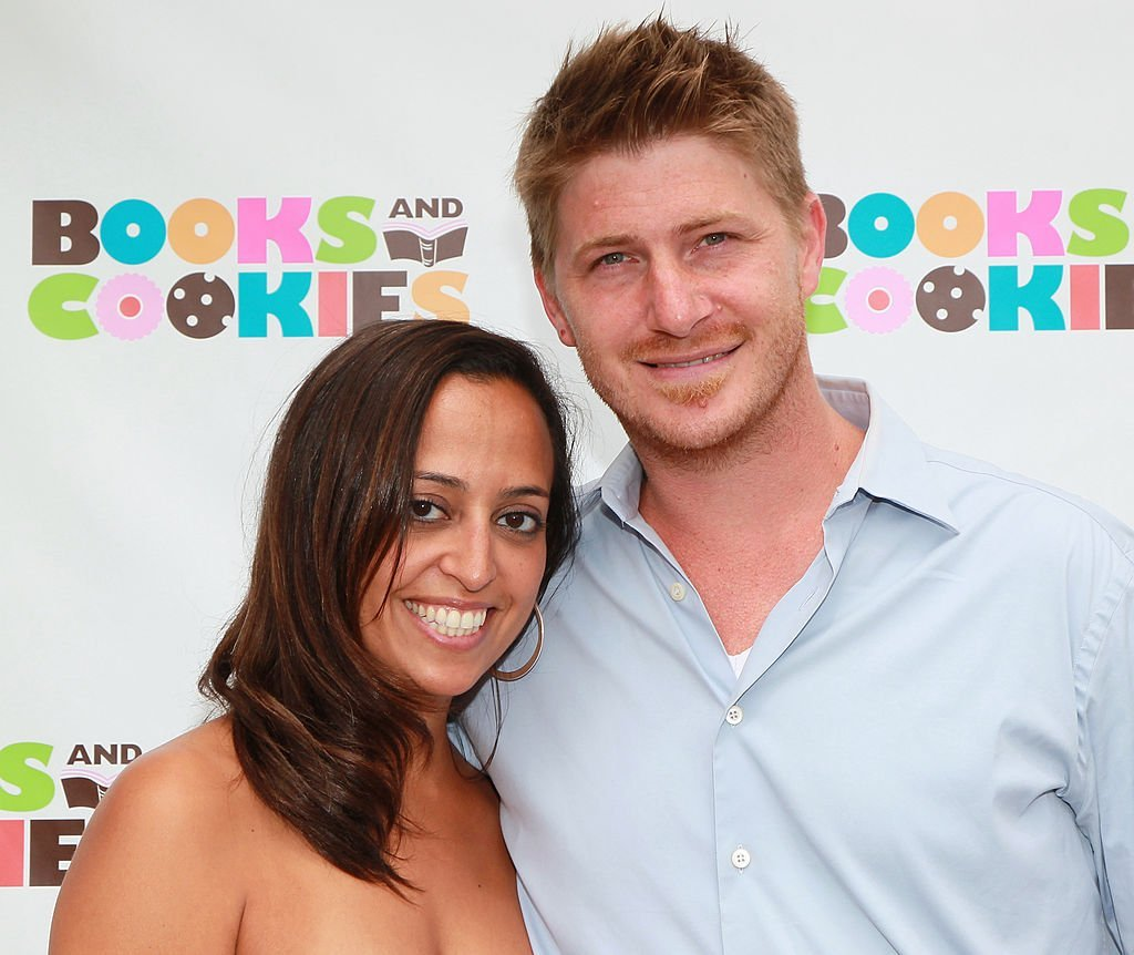 Chudney Ross (L) and Joshua Faulkner attend the grand opening of Books and Cookies on May 14, 2011 in Santa Monica, California | Photo: Getty Images