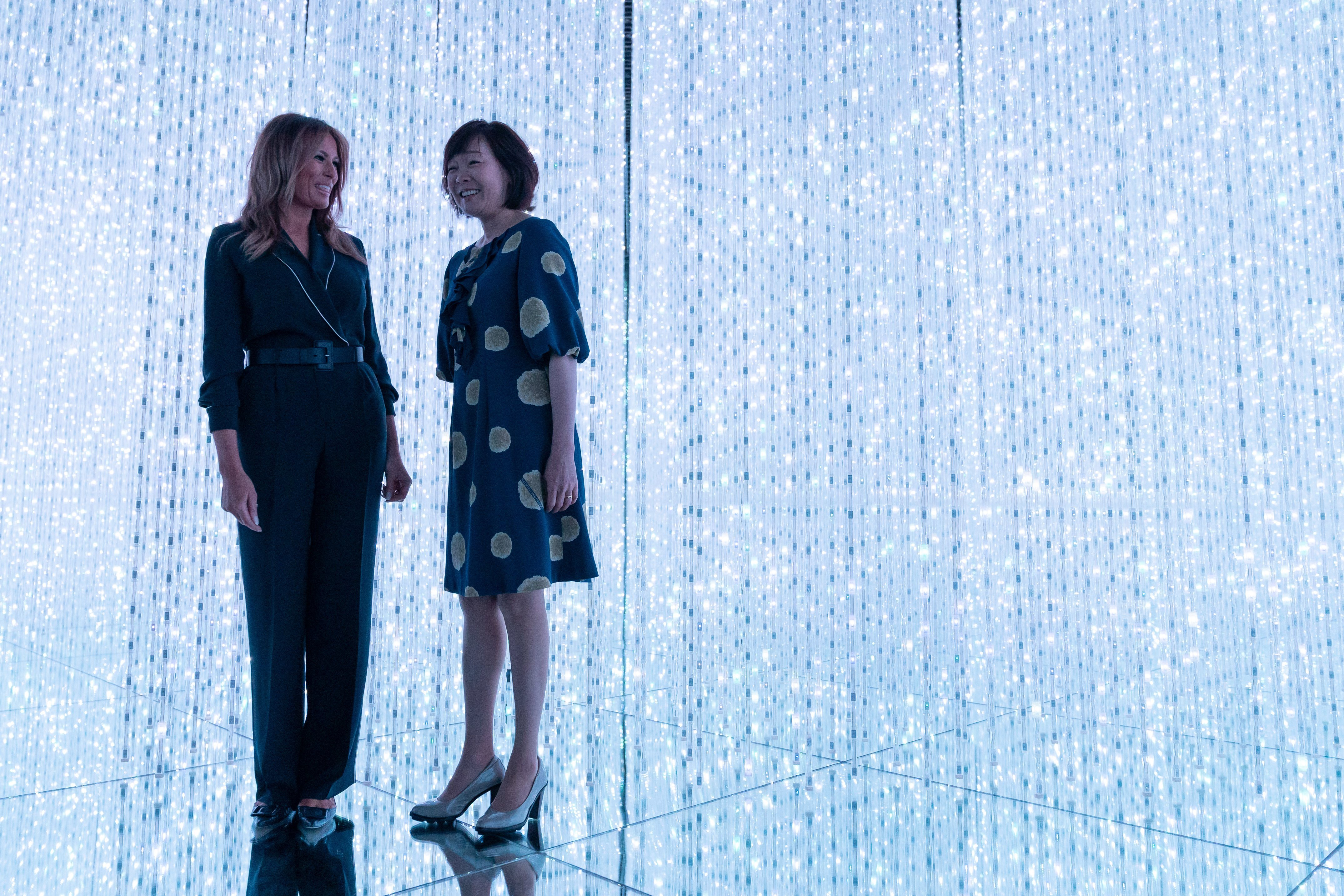 Melania Trump and Akie Abe at the Mori Building Digital Art Museum in Tokyo, Japan   Photo: Getty Images