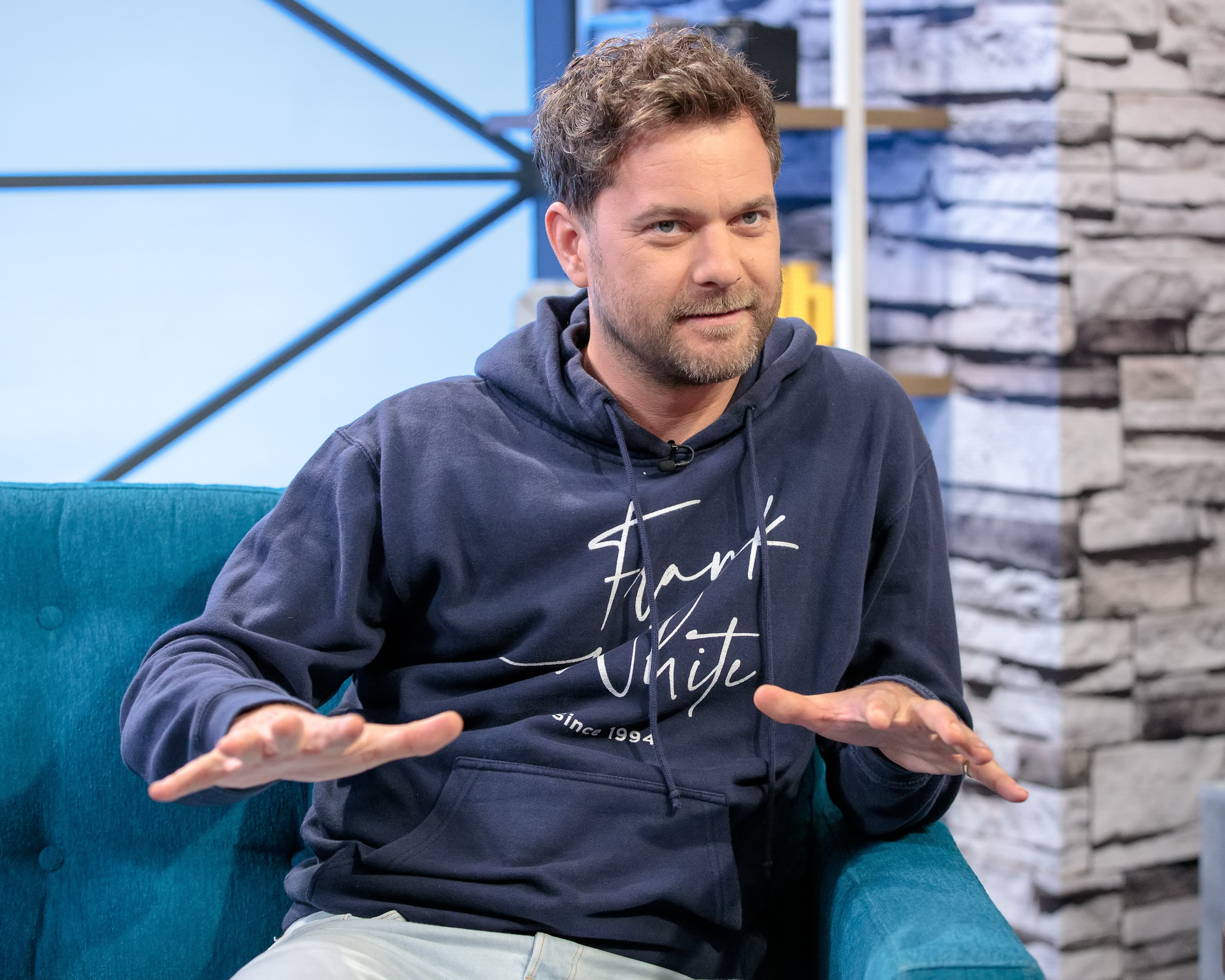 Joshua Jackson visits 'The IMDb Show' on May 14, 2019 in Studio City, California. | Photo: GettyImages