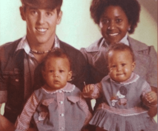 Darlene and Timothy Mowry with Tia and Tamera. | Source: YouTube/Tia Mowry's Quick Fix