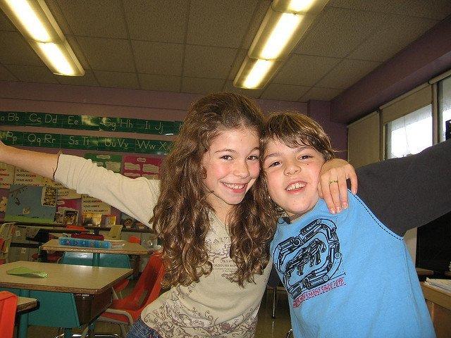 Deux élèves de bonne humeur. l Source: Flickr