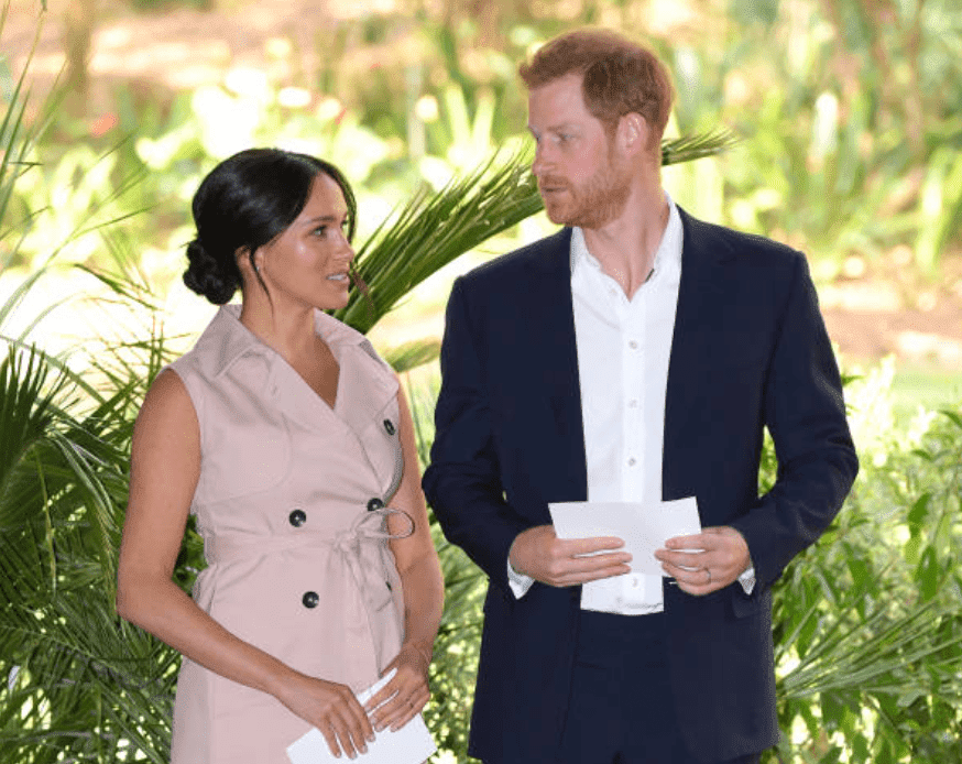 Meghan Markle and Prince Harry prepare for their speeches at a reception held at the High Commissioner's Residence in South Africa, on October 02, 2019, in Johannesburg, South Africa | Photo: Getty Images