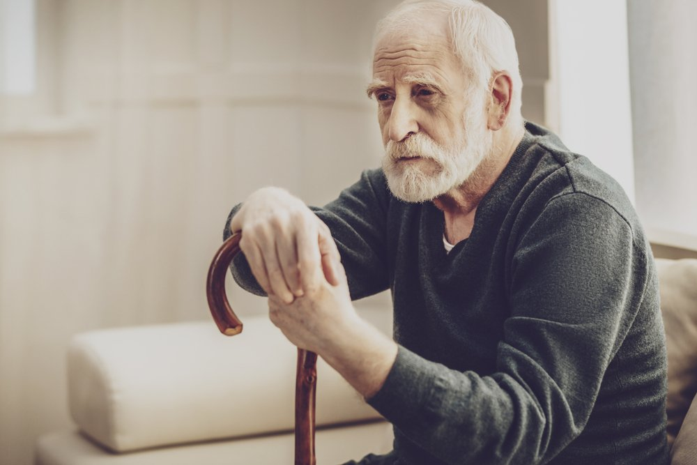 A photo of an old man during an interview | Photo: Shutterstock