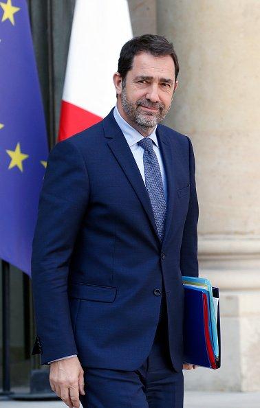 Le ministre français de l'Intérieur, Christophe Castaner, sort du Palais présidentiel de l'Elysée à l'issue de la réunion hebdomadaire du cabinet le 1er avril 2019 à Paris, France.   Photo : GettyImage