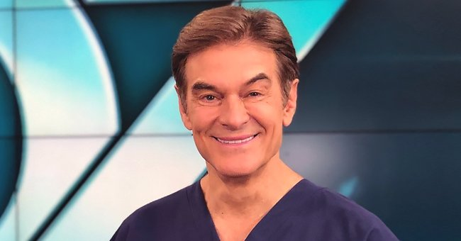 Dr Oz Posts Group Photo with All His Grown-Up Kids for Thanksgiving