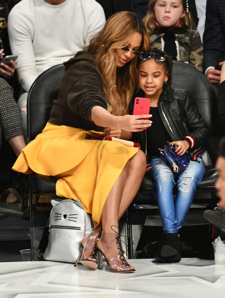 Beyonce and Blue Ivy Carter at the 67th NBA All-Star Game featuring team LeBron James vs. team Stephen Curry at the Staples Center on February 18, 2018 | Photo: Getty Images