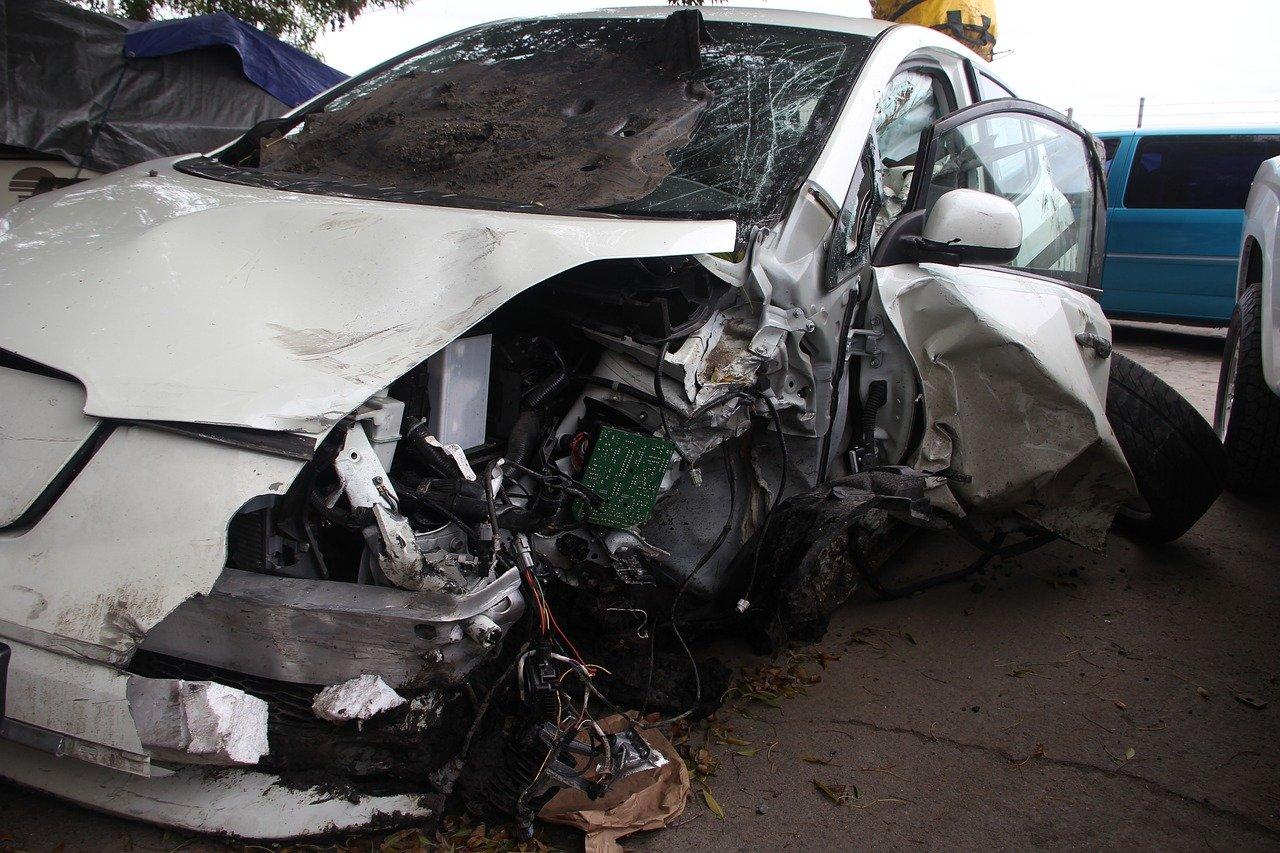 Un accident de voiture. | Photo : Pixabay