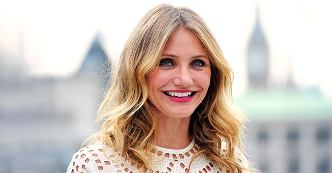 Check Out Cameron Diaz, Siblings Elle & Dakota Fanning Doing the TikTok '#WineChallenge'