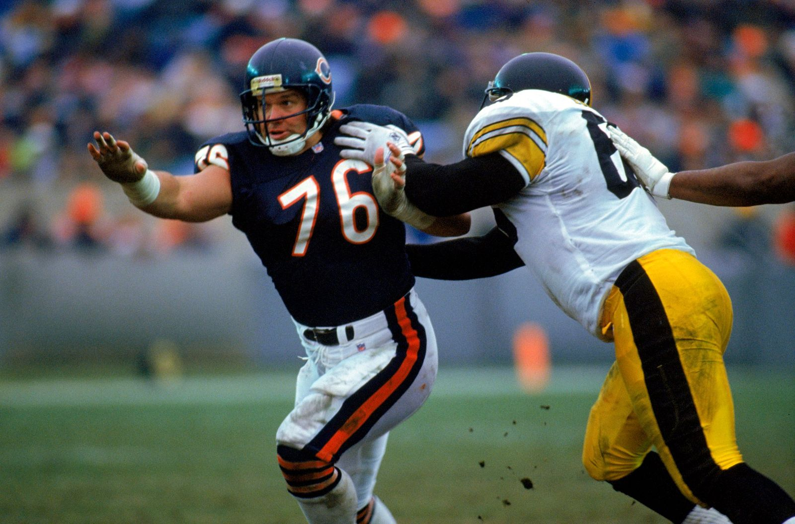Steve McMichael playing during the game against the Pittsburgh Steelers on December 13, 1992 in Chicago, Illinois. | Getty Images