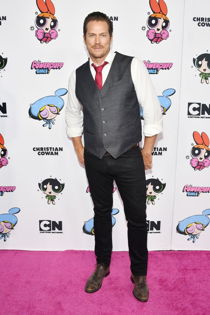 Jason Lewis at the 2020 Christian Cowan x Powerpuff Girls Runway Show on March 08, 2020. | Photo: Getty Images)