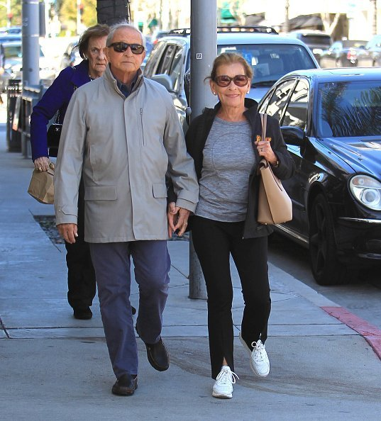 Judy Sheindlin and Jerry Sheindlin are seen walking on the street in Los Angeles, California. | Photo: Getty Images