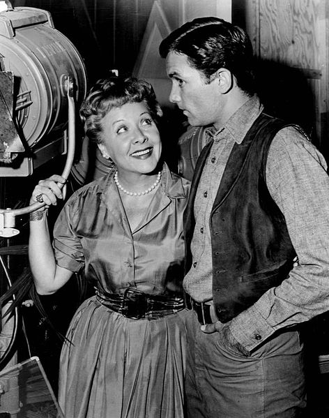 Photo of Vivian Vance and Allen Case as deputy Clay McCord on the set of the television program The Deputy. | Source: Wikimedia Commons
