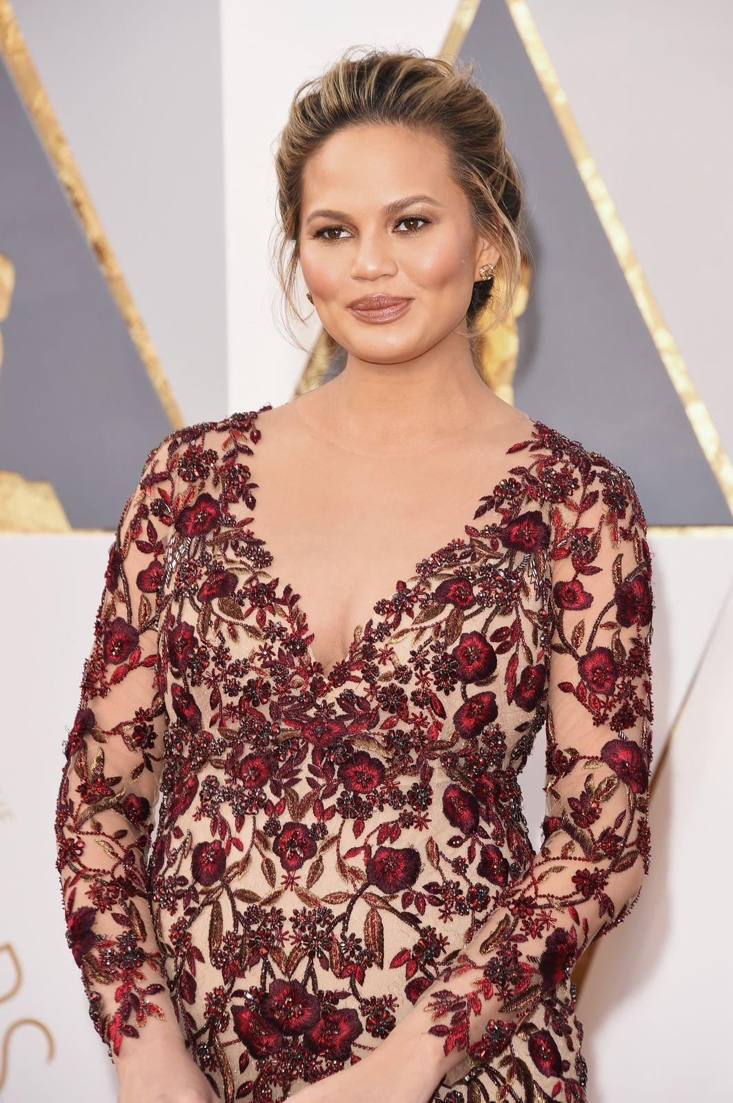 Chrissy Teigen at the 88th Annual Academy Awards on February 28, 2016 in Hollywood, California | Photo: Getty Images