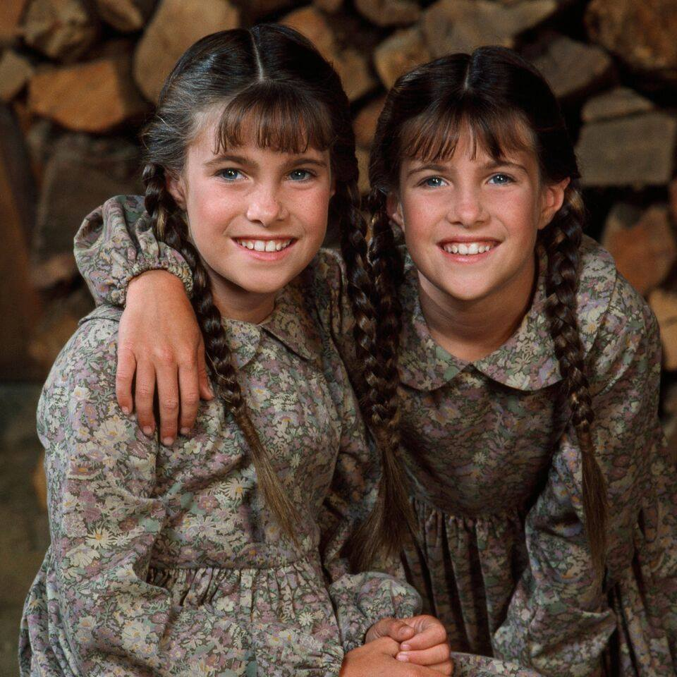 The Greenbush twins on the set of Little House on the Prairie. Photo: Facebook/littlehouseontheprairie