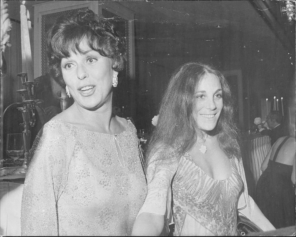 Bess Myerson received the New School's Fiorello H. La Guardia Award for service to the city and spent the evening dancing with Mayor Koch and showing off her daughter on March 16, 1978. | Photo: Getty Images