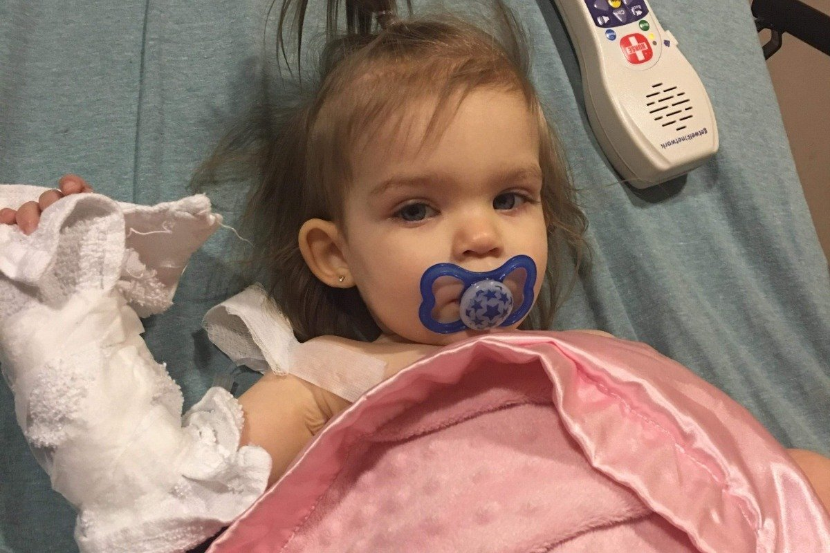 Callie June, paciente con cáncer. | Foto: GoFundMe