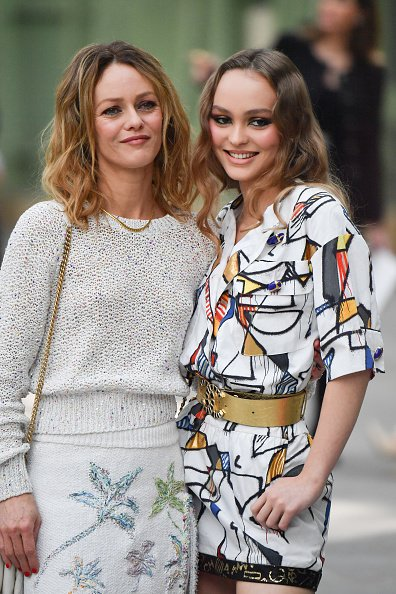 Lily-Rose Depp and Vanessa Paradis at Grand Palais on May 3, 2019 in Paris, France.   Photo: Getty Images