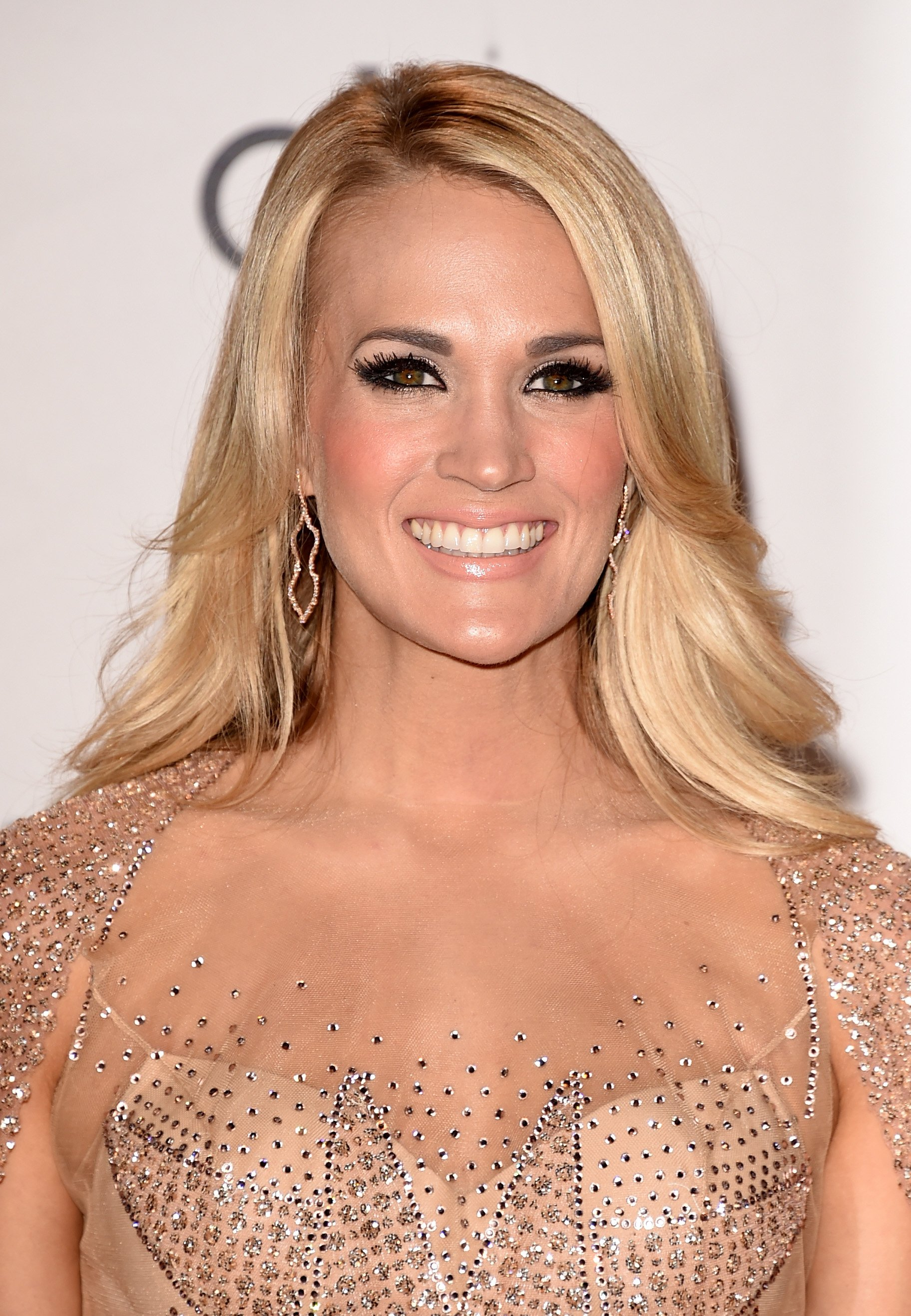 Carrie Underwood poses in the press room during the 2015 American Music Awards on November 22, 2015.   Source: Getty Images