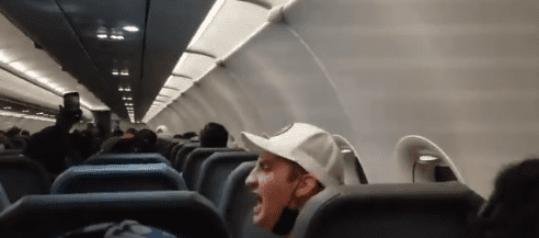 Maxwell Wilkinson Berry yelling at the other passengers   Photo: Twitter.com/SweeneyABC
