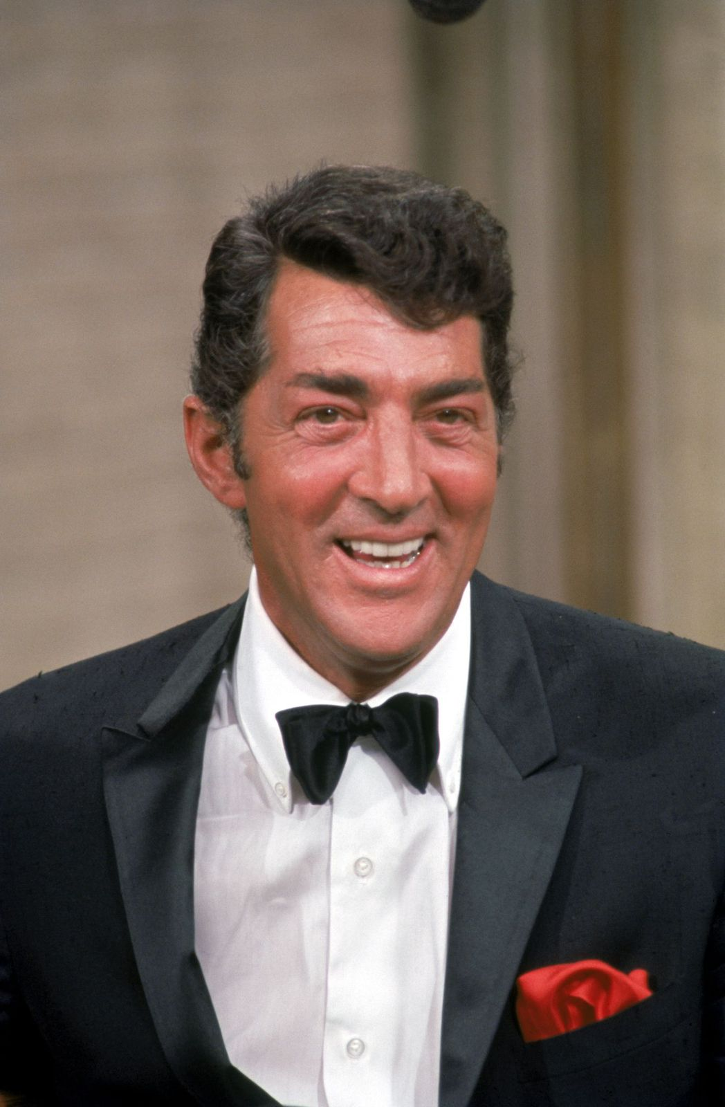 """Dean Martin on the set during filming of """"The Dean Martin show"""" in 1967 