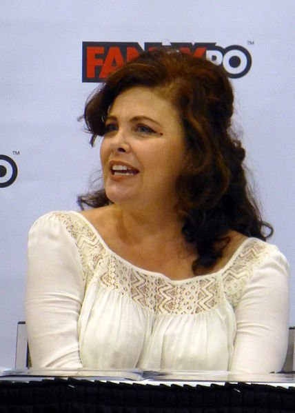 Sherilyn Fenn at the 2014 Fan Expo Canada. | Source: Wikimedia Commons