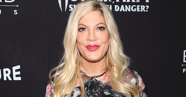 Tori Spelling Displays Her Stunning Legs in Olive Green Swimsuit during Mexico Vacation