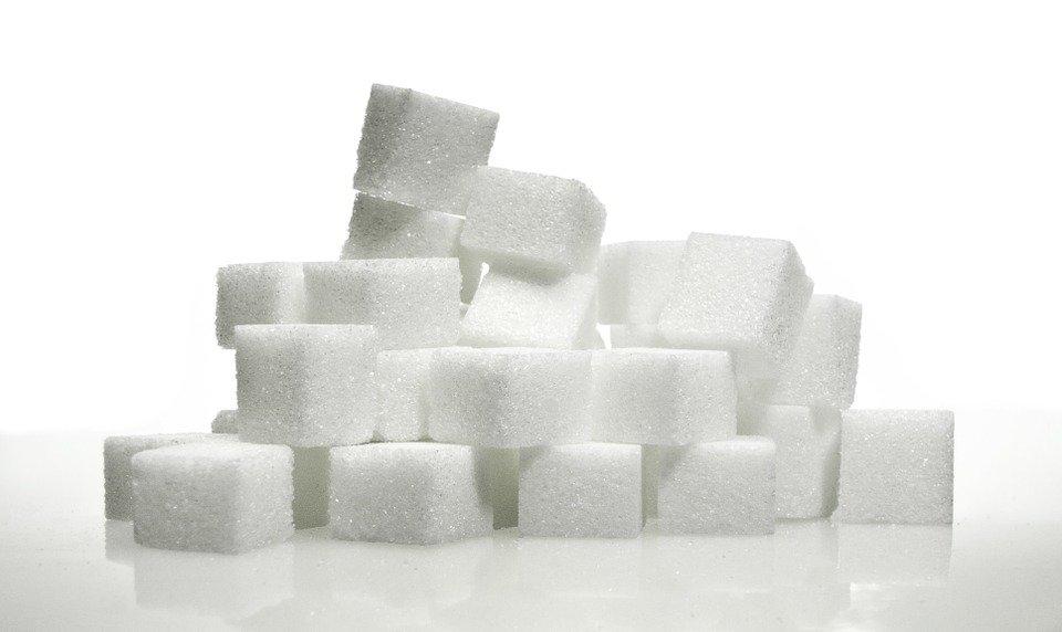 Des morceaux de sucre | Photo : Pixabay